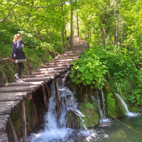 Walking around the paths of Plitvice
